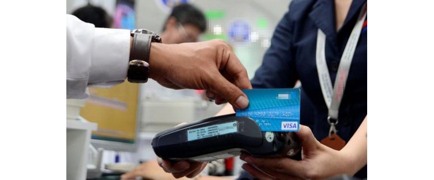 Chính phủ yêu cầu không dùng tiền mặt để thanh toán học phí, viện phí, tiền điện ở đô thị